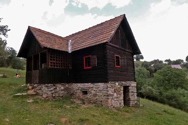 • einsame berghütte 2 personen | karpaten hütte ohne strom mieten rumänien