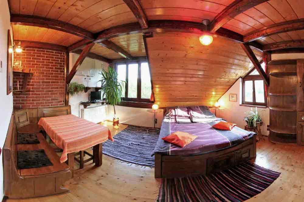 transylvania holiday villas romania | holiday homes romania apartments for rent | family vacations hiking carpathian mountains