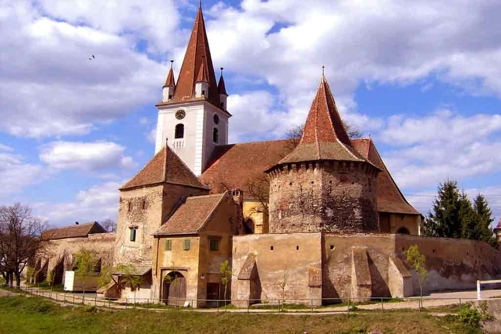 pet friendly romania vacation rentals by owner, transylvania accommodation sibiu