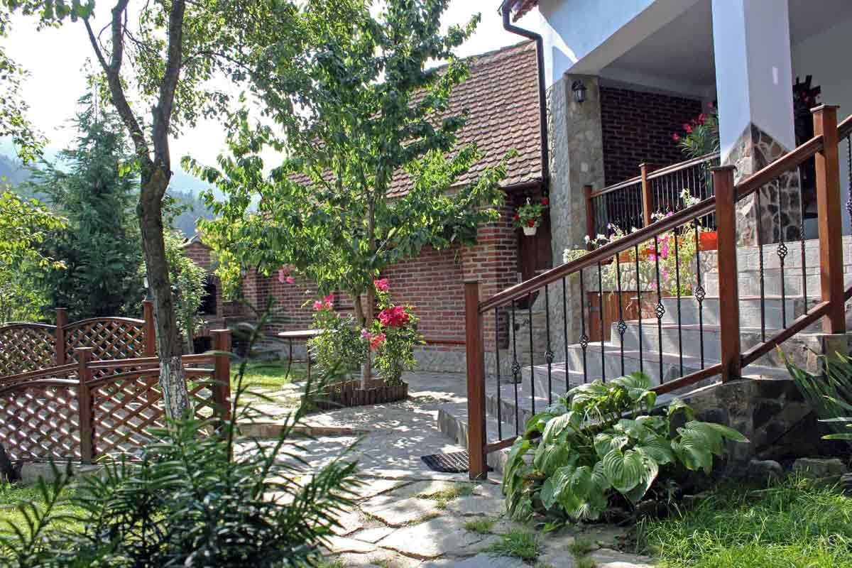 self catering romania villa with fireplace for 8-10 people