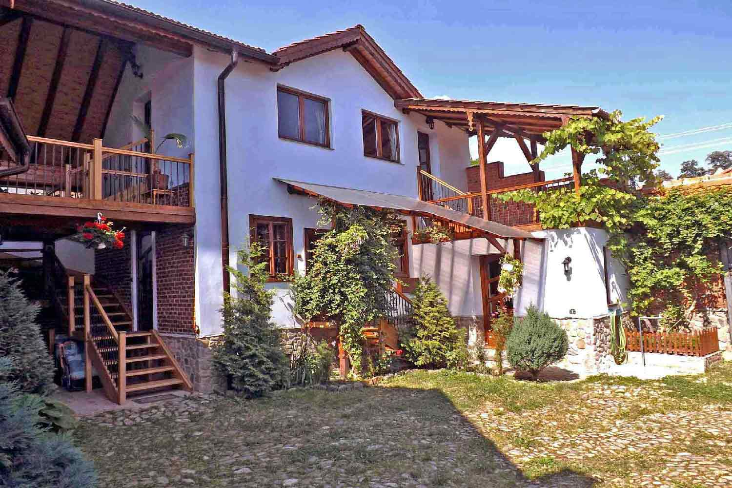 transylvania country house romania for hiking holidays in the carpathian mountains