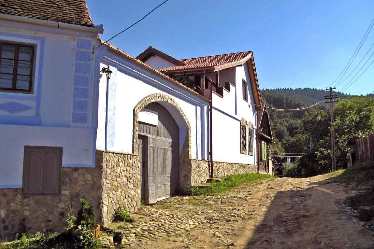 romania country house for rent | hiking holidays in transylvania