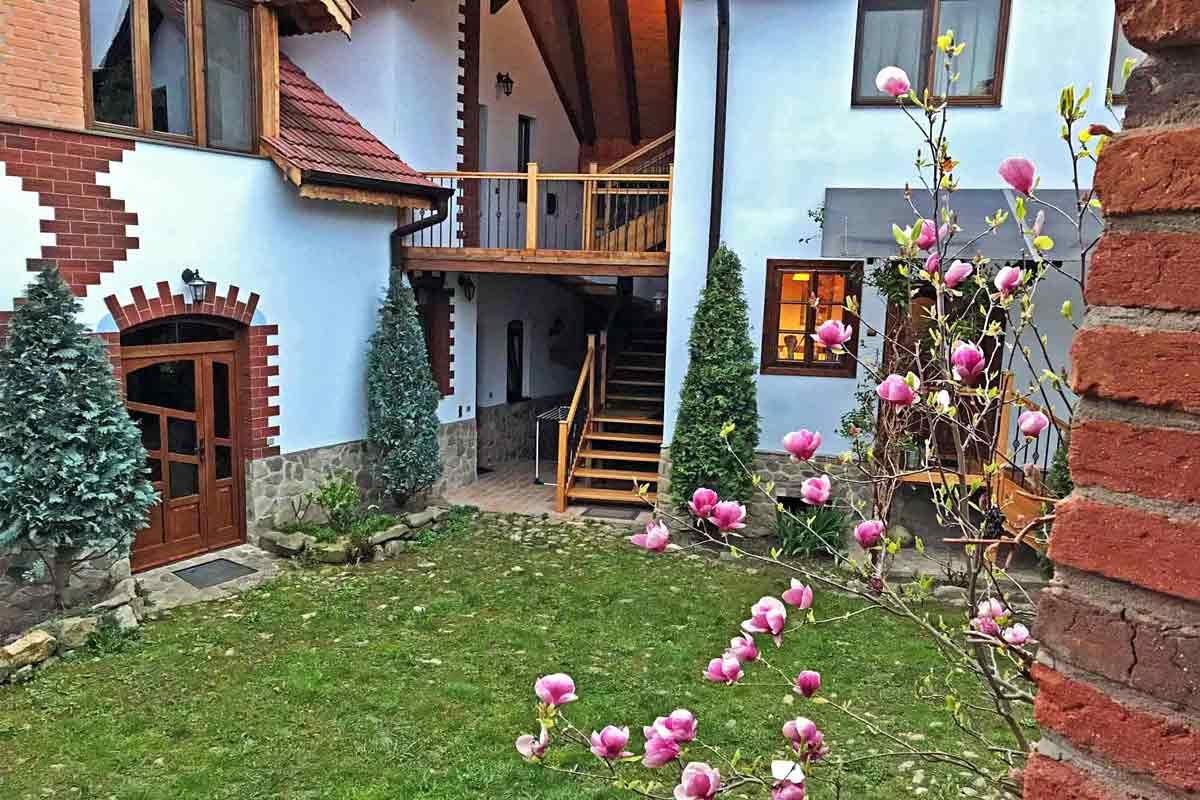 romania country cottage rentals | transylvania farmhouse
