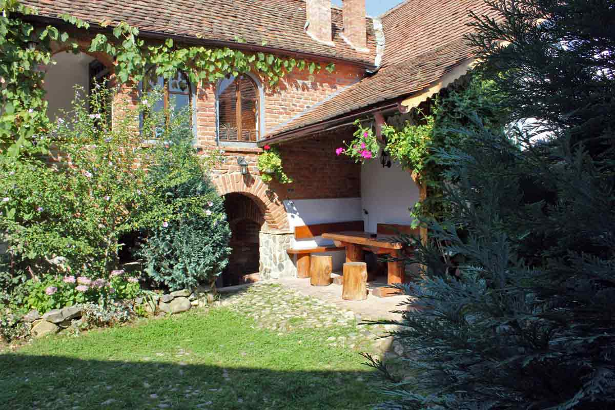 sibiu cottages transylvania | single holidays romania