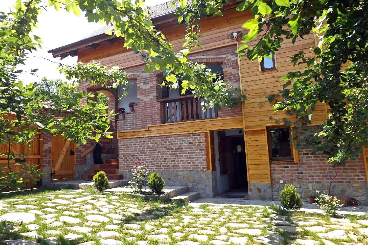 holiday chalet romania rental with fireplace | transylvania holidays