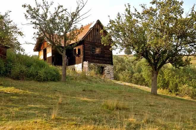 cozo fantu | carpathian log homes romania refuge