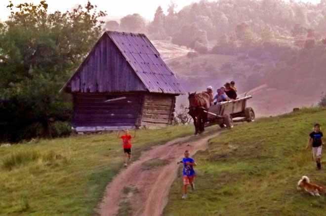 cozo fantu | carpahian blockhouse rental romania mountain cottage romania