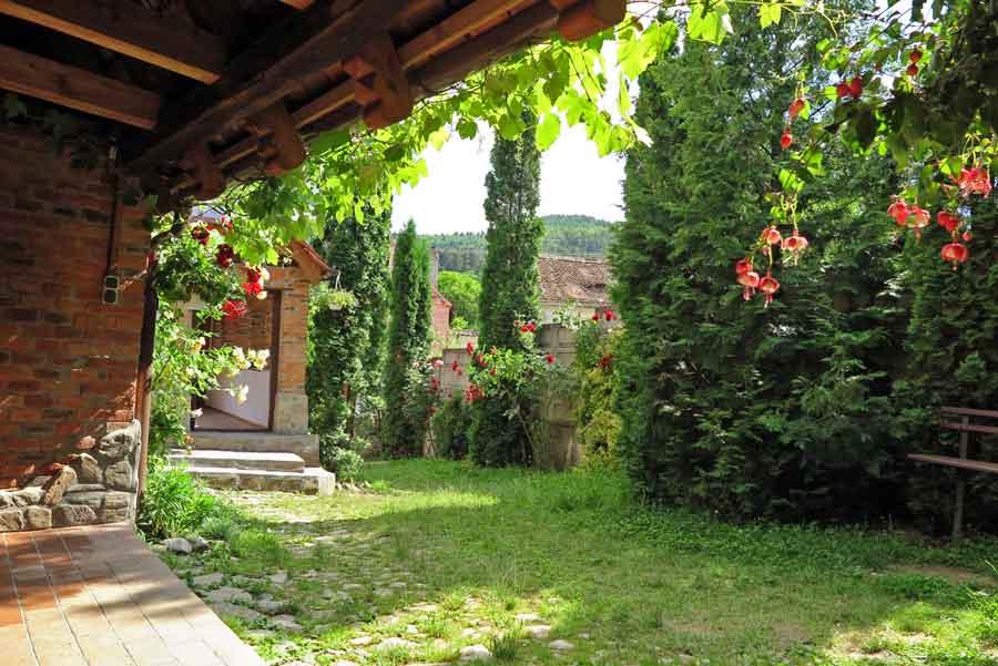 romania farm accommodation in transylvania