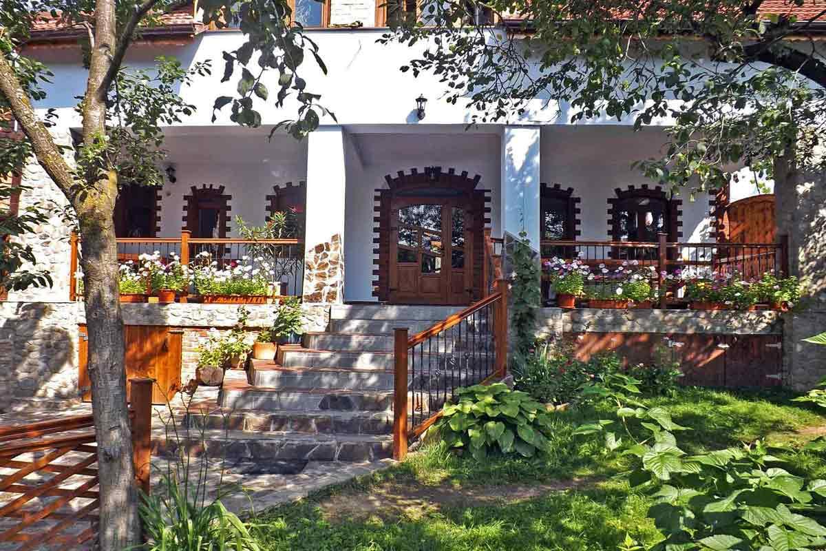 self catering villa holidays in romania transylvania