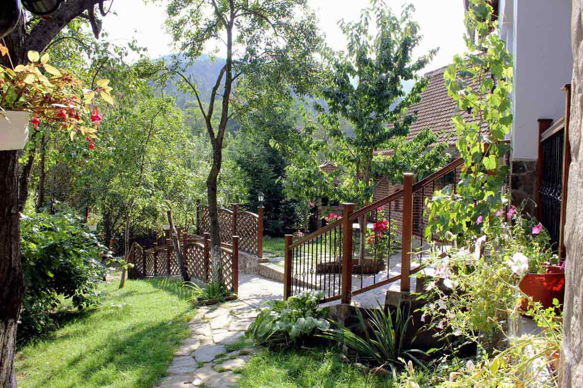 romania villa to rent by owner for carpathian holidays