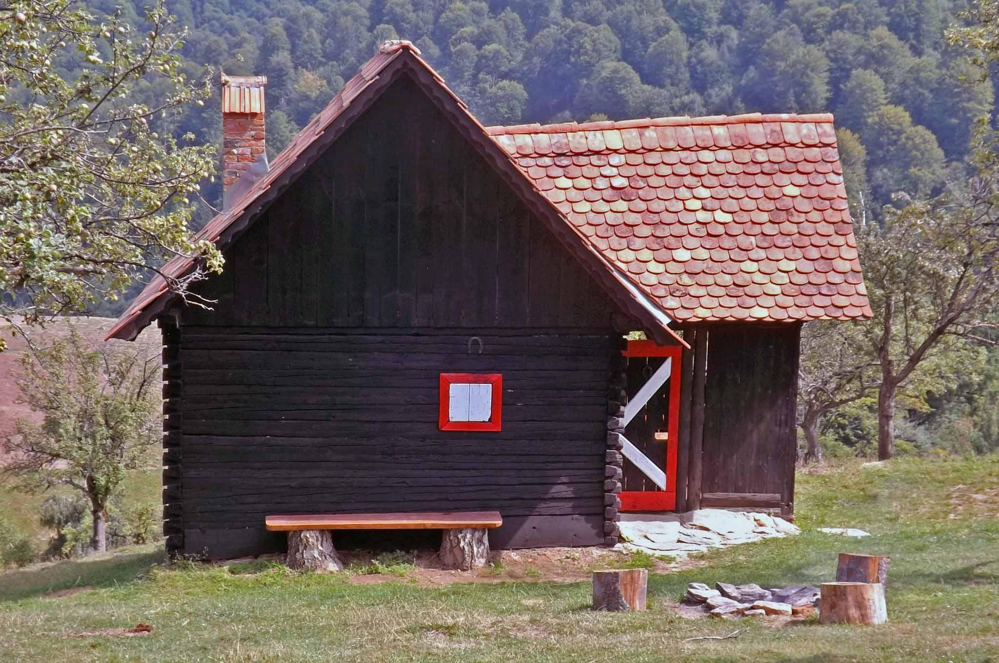 romania log homes transylvania, carpathian hut mountain refuge
