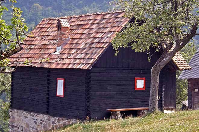 holiday log cabins romania for hiking romania carapathian mountains