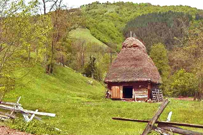 carpathian mountain hut transylvania log homes romania
