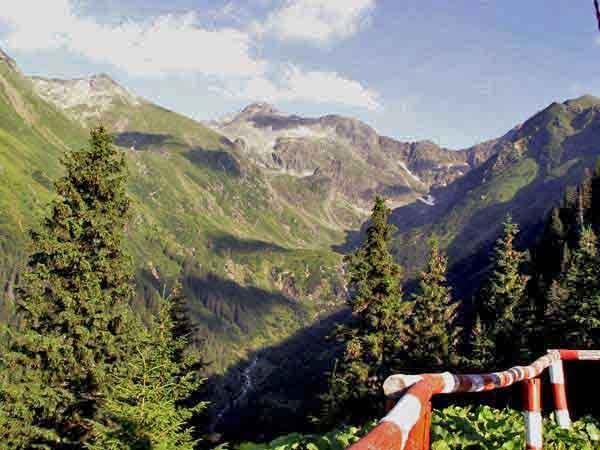 carpathians hiking in romania