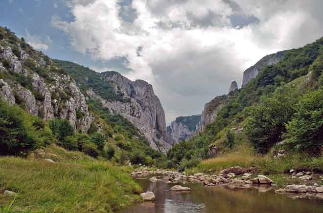 transylvania hiking tours carpathian mountains
