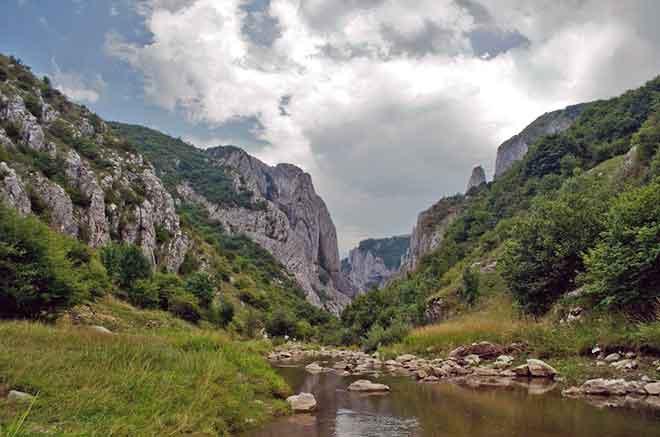 transylvania hiking tours carpathian mountains
