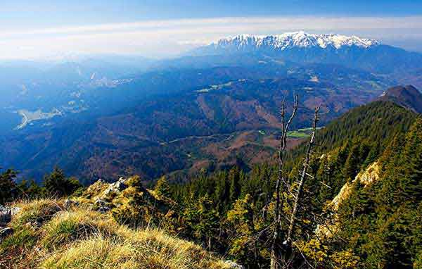 hiking romania carpathian mountains pictures