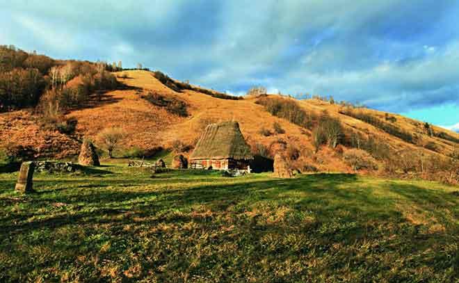 trekking holidays in romania for carpathian walking