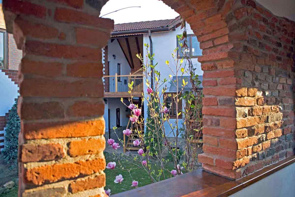 casa traditionala de inchiriat | casute de vacanta la tara