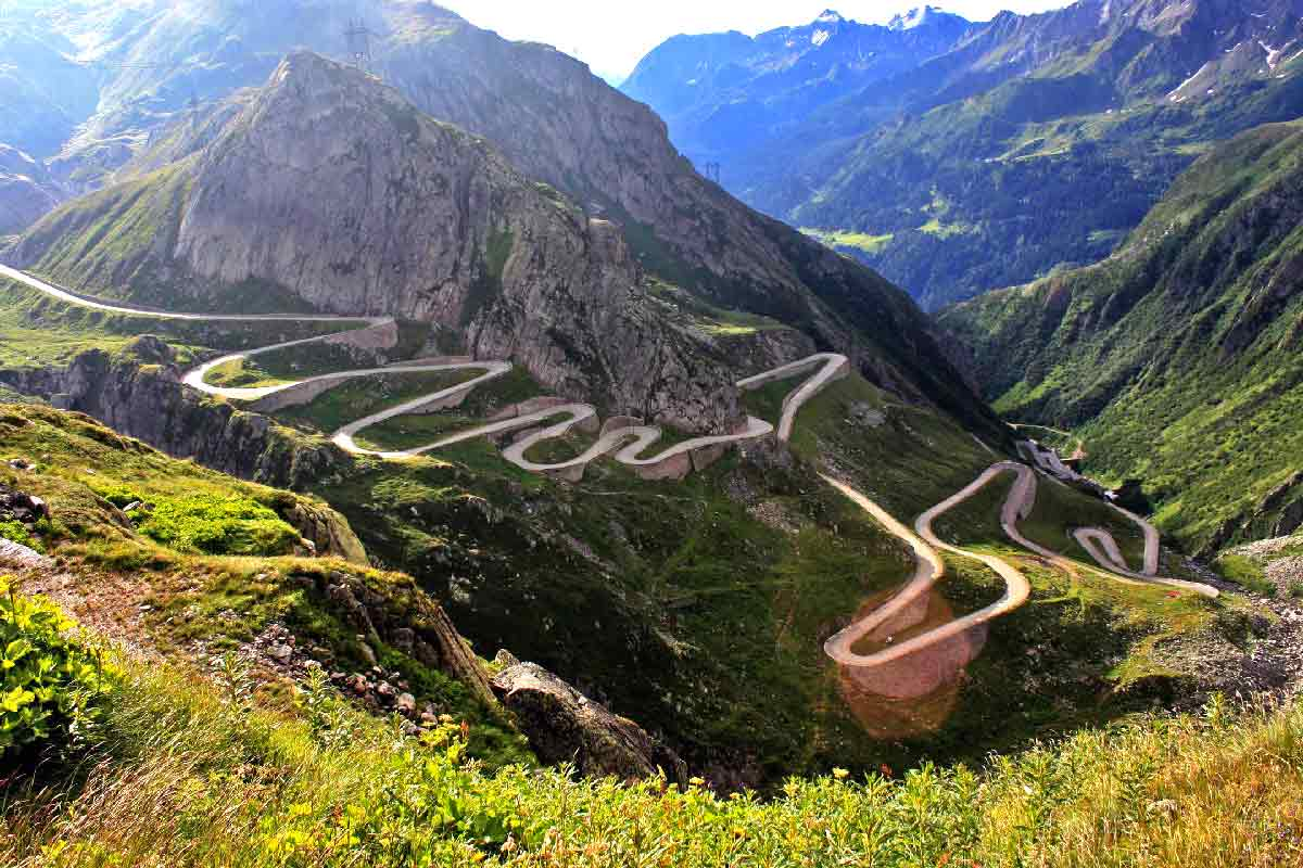 trasee transfagarasana obiective turistice, excursii si atractii