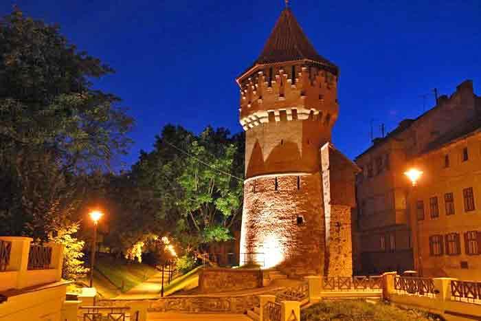 locuri de vizitat sibiu obiective turistice   turnul dulgherilor