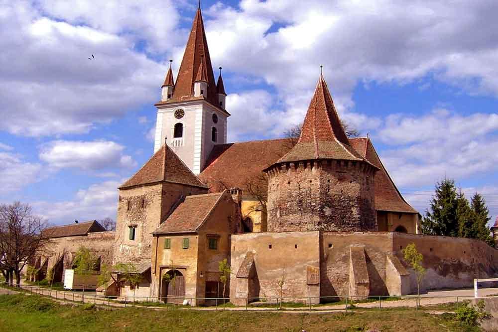atractii turistice sibiu excursii si destinatii | biserica fortificata cristian