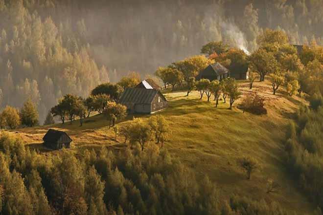vacanta cu drumetii la munte   cazare cabana sibiu