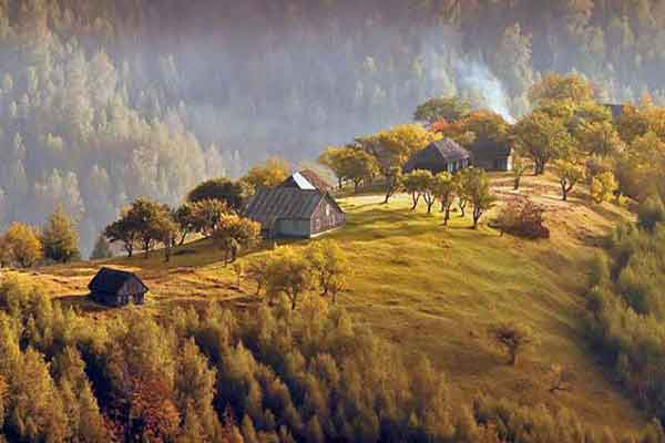 poze de la munte cu peisaje montane muntii cindrel