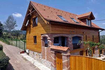 Casa Zollo | location chalet transylvanie au pied des carpates roumaines près de sibiu
