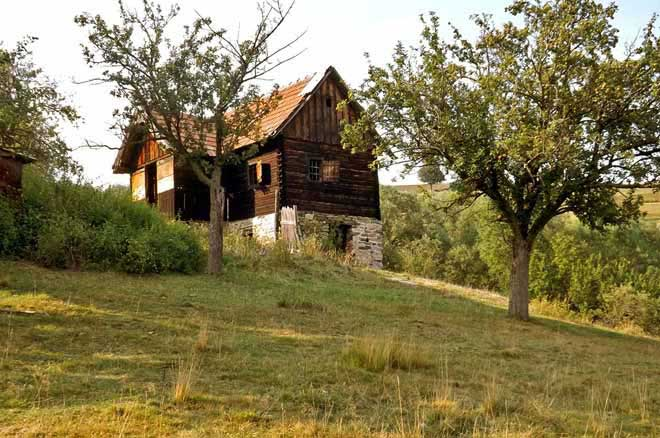 cabane vacances carpates, location hutte de berger transylvanie roumanie