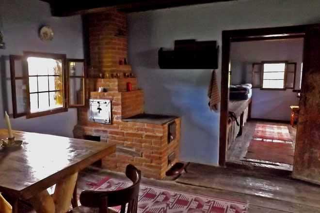 réserver une cabane de montagne roumanie, location hutte de berger sibiu