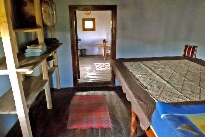 location cabane de berger transylvanie, réserver une hutte de montagne en roumanie