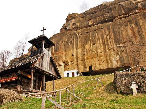 romania churches