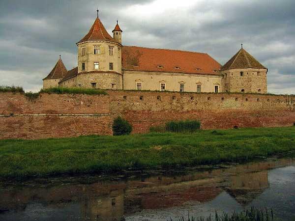 romania castles transylvania