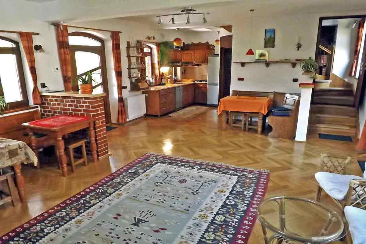 casa Villa Crina | siebenbürgen ferienhaus 8 personen mieten | karpaten villa rumänien ferien