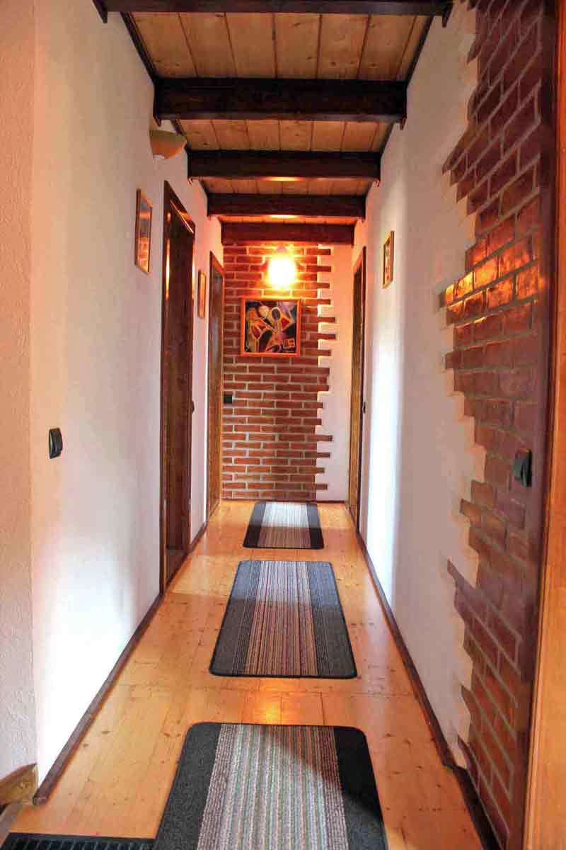 ferienhaus-villa für 10 personen mit kamin, sibiu, siebenbürgen, rumänien für 8 personen mieten