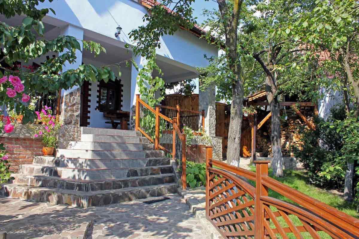ferienhaus-villa siebenbürgen mieten für 8 personen mit kamin