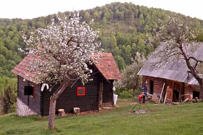 urige hirtenhütte für 2-4 personen | rumänien blockhaus mieten von privat